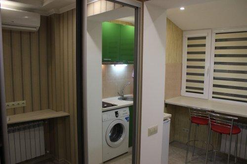 1-комнатная квартира посуточно в Днепропетровске. Бабушкинский район, Запорожское шоссе, 4. Фото 1