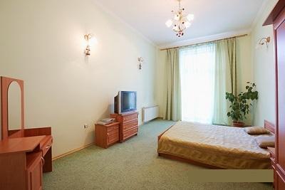 2-комнатная квартира посуточно в Львове. Галицкий район, ул. Фурманкая, 9. Фото 1