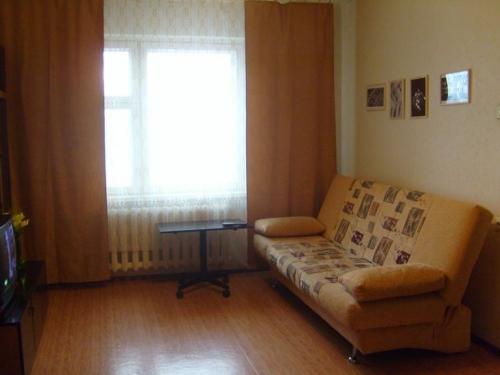 1-комнатная квартира посуточно в Никополе. ул. Электрометалургов, 31. Фото 1