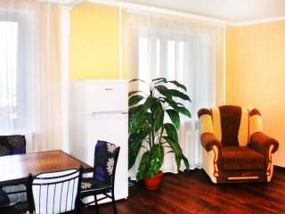 2-комнатная квартира посуточно в Одессе. Приморский район, ул. Левоневского, 7. Фото 1