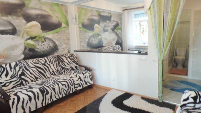 1-комнатная квартира посуточно в Алуште. ул. 15-го Апреля, 13. Фото 1