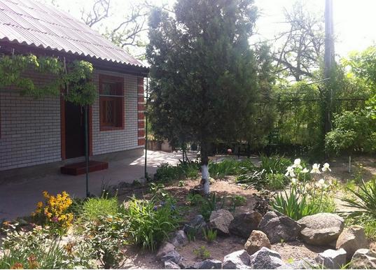 Дом  посуточно в Бердянске. Литке, 7а. Фото 1