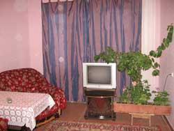 1-комнатная квартира посуточно в Новой Каховке. ул. Парижской Коммуны, 15. Фото 1