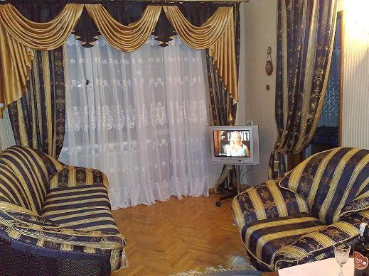 2-комнатная квартира посуточно в Киеве. Печерский район, пер. Гордиенко, 8. Фото 1