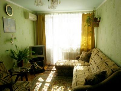 1-комнатная квартира посуточно в Бердянске. ул. Горбенко, 1. Фото 1