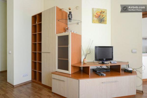 1-комнатная квартира посуточно в Киеве. Шевченковский район, ул. Софиевская, 2. Фото 1