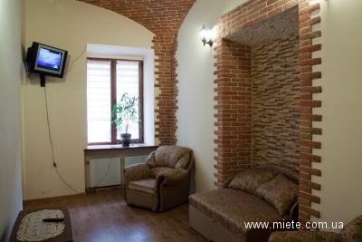2-комнатная квартира посуточно в Львове. Галицкий район, ул. Лепкого, 5. Фото 1