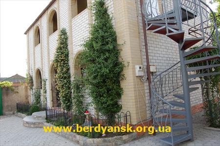 1-комнатная квартира посуточно в Бердянске. Мичурина, 218-В. Фото 1