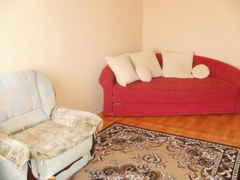 2-комнатная квартира посуточно в Полтаве. Октябрьский район, ул. Красина, 75. Фото 1