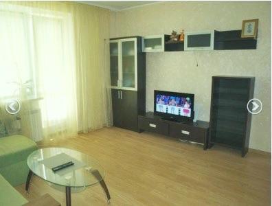 1-комнатная квартира посуточно в Чернигове. Новозаводской район, ул. Щорса, 12а. Фото 1