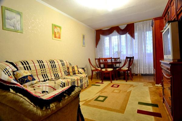 2-комнатная квартира посуточно в Киеве. Печерский район, ул. Бассейная, 11. Фото 1