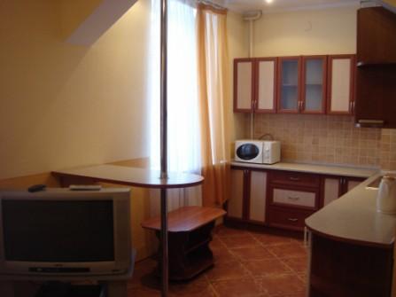 2-комнатная квартира посуточно в Кривом Роге. Саксаганский район, ул. Постышева. Фото 1