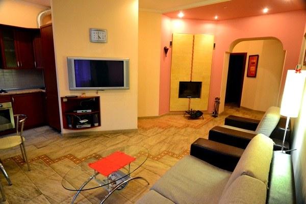 3-комнатная квартира посуточно в Киеве. Печерский район, Красноармейская, 131. Фото 1