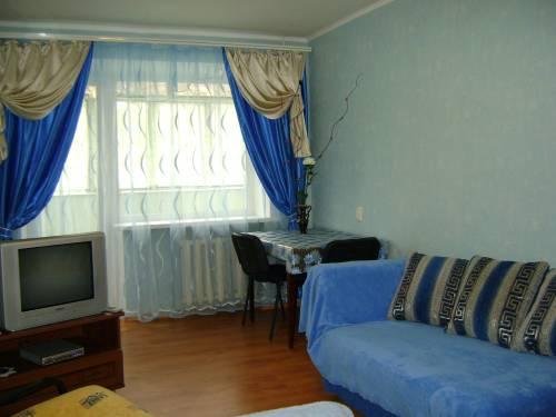 1-комнатная квартира посуточно в Днепропетровске. Красногвардейский район, ул. Титова, 22. Фото 1