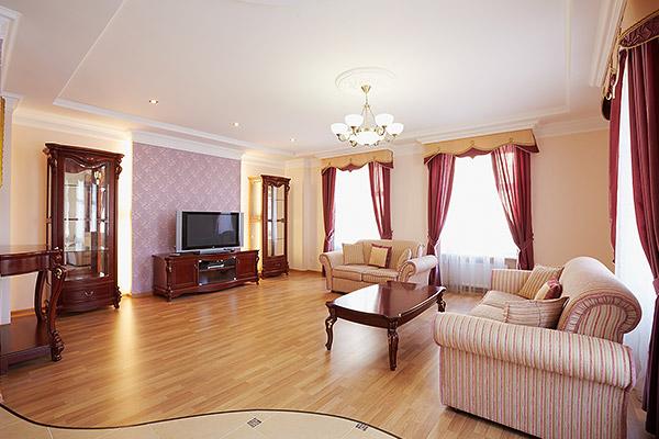 2-комнатная квартира посуточно в Львове. Галицкий район, пр-т Свободы, 49. Фото 1