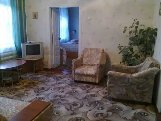 3-комнатная квартира посуточно в Геническе. ул. Кирова, 5. Фото 1
