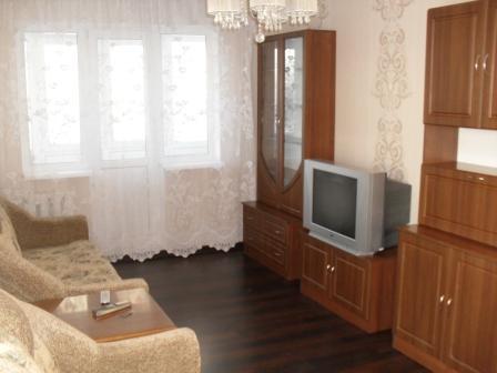 2-комнатная квартира посуточно в Донецке. Киевский район, пр-т Титова, 8а. Фото 1