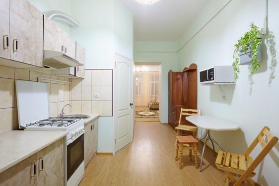 2-комнатная квартира посуточно в Львове. Галицкий район, ул. Ляйнберга, 5. Фото 1