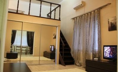 2-комнатная квартира посуточно в Одессе. Приморский район, ул. Успенская, 73. Фото 1