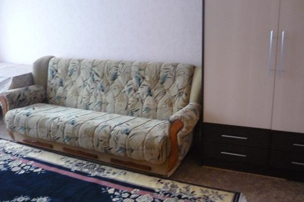 1-комнатная квартира посуточно в Донецке. Ворошиловский район, ул. Университетская, 54. Фото 1
