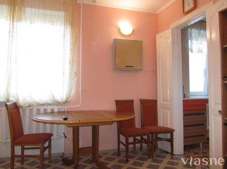 2-комнатная квартира посуточно в Чернигове. Деснянский район, Центр., 31. Фото 1