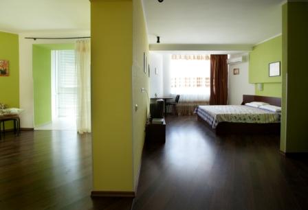 2-комнатная квартира посуточно в Броварах. ул. Шевченка, 4. Фото 1