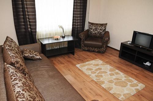 1-комнатная квартира посуточно в Донецке. Ворошиловский район, ул. Челюскинцев, 123. Фото 1