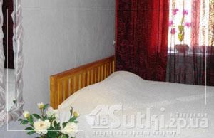 2-комнатная квартира посуточно в Запорожье. Орджоникидзевский район, ул. Панфиловцев,. Фото 1