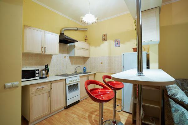 1-комнатная квартира посуточно в Львове. Железнодорожный район, ул. Стороженка, 6. Фото 1