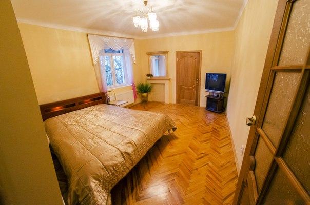 2-комнатная квартира посуточно в Львове. Галицкий район, ул. Чайковского, 37. Фото 1