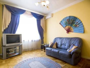2-комнатная квартира посуточно в Кривом Роге. Дзержинский район, пр-т Гагарина, 30. Фото 1