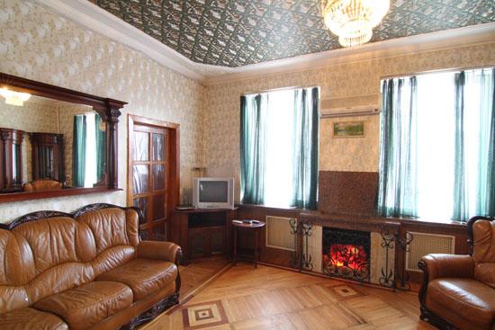 3-комнатная квартира посуточно в Запорожье. Орджоникидзевский район, пр-т Ленина, 159. Фото 1