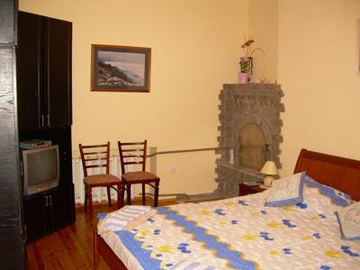 1-комнатная квартира посуточно в Алчевске. ул. Липовенко, 9. Фото 1