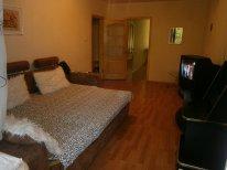 2-комнатная квартира посуточно в Одессе. Киевский район, пр-т Маршала Жукова, 23. Фото 1