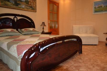1-комнатная квартира посуточно в Севастополе. Гагаринский район, ул. Героев Сталинграда, 60. Фото 1