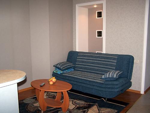 2-комнатная квартира посуточно в Николаеве. Центральный район, ул. Спасская, 50. Фото 1