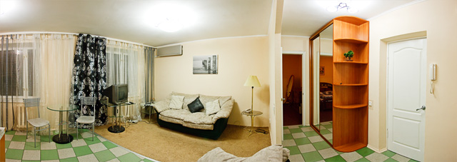 2-комнатная квартира посуточно в Киеве. Печерский район, ул. Шелковичная, 46/48. Фото 1