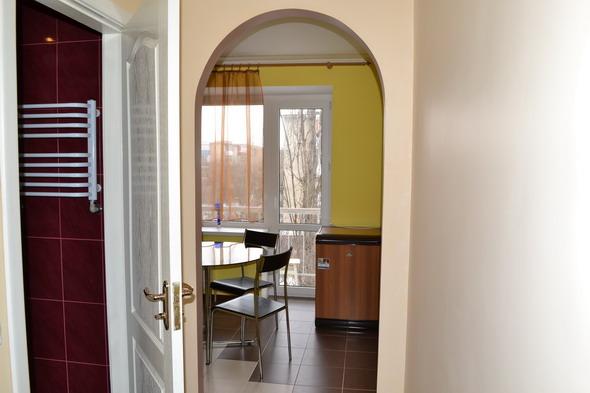 1-комнатная квартира посуточно в Измаиле. ул. 51-Перекопской див., 1. Фото 1