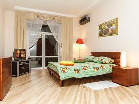 2-комнатная квартира посуточно в Тернополе. ул. Збаражская, 8. Фото 1
