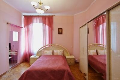 1-комнатная квартира посуточно в Львове. Галицкий район, ул. Вороного, 9. Фото 1