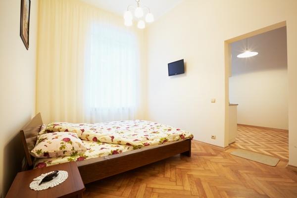 1-комнатная квартира посуточно в Виннице. Ленинский район, ул. Соборная, 48. Фото 1