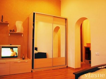 1-комнатная квартира посуточно в Севастополе. Ленинский район, ул. Советская, 15. Фото 1