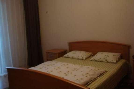 2-комнатная квартира посуточно в Киеве. Соломенский район, ул. Академика Стражеска, 9. Фото 1