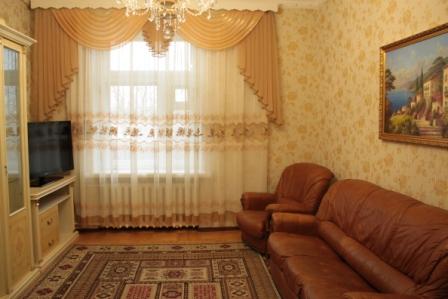 3-комнатная квартира посуточно в Донецке. Ворошиловский район, бул. Пушкина. Фото 1