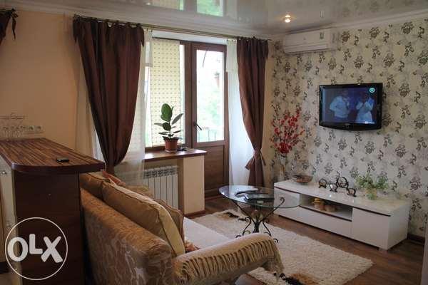 1-комнатная квартира посуточно в Днепропетровске. Бабушкинский район, 22го Партсъезда, 25. Фото 1