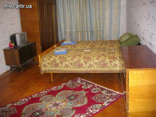 2-комнатная квартира посуточно в Николаеве. Заводской район, ул. Пушкинская, 66a. Фото 1