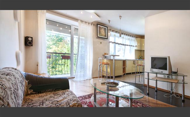3-комнатная квартира посуточно в Одессе. Приморский район, ул. Тенистая, 5. Фото 1