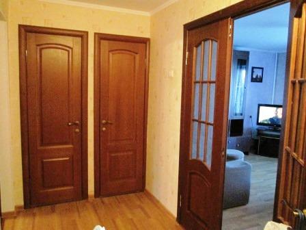 2-комнатная квартира посуточно в Мариуполе. ул. Нахимова, 103. Фото 1