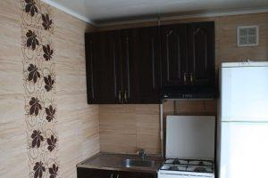 2-комнатная квартира посуточно в Днепропетровске. Бабушкинский район, ул. Тополь 2, 10. Фото 1