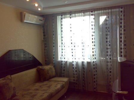 1-комнатная квартира посуточно в Харькове. Фрунзенский район, ул. Танкопия, 41Б. Фото 1